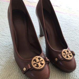 Tory Burch heels 9.5